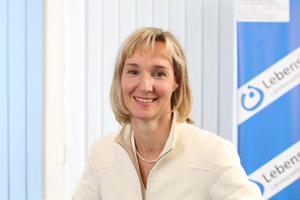 Frau Dr. Tanja Reuter