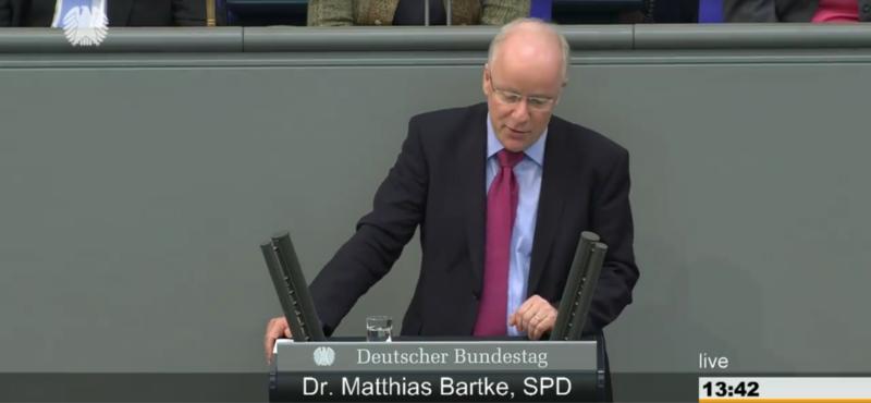 Dr. Matthias Bartke bei einer Rede im Bundestag