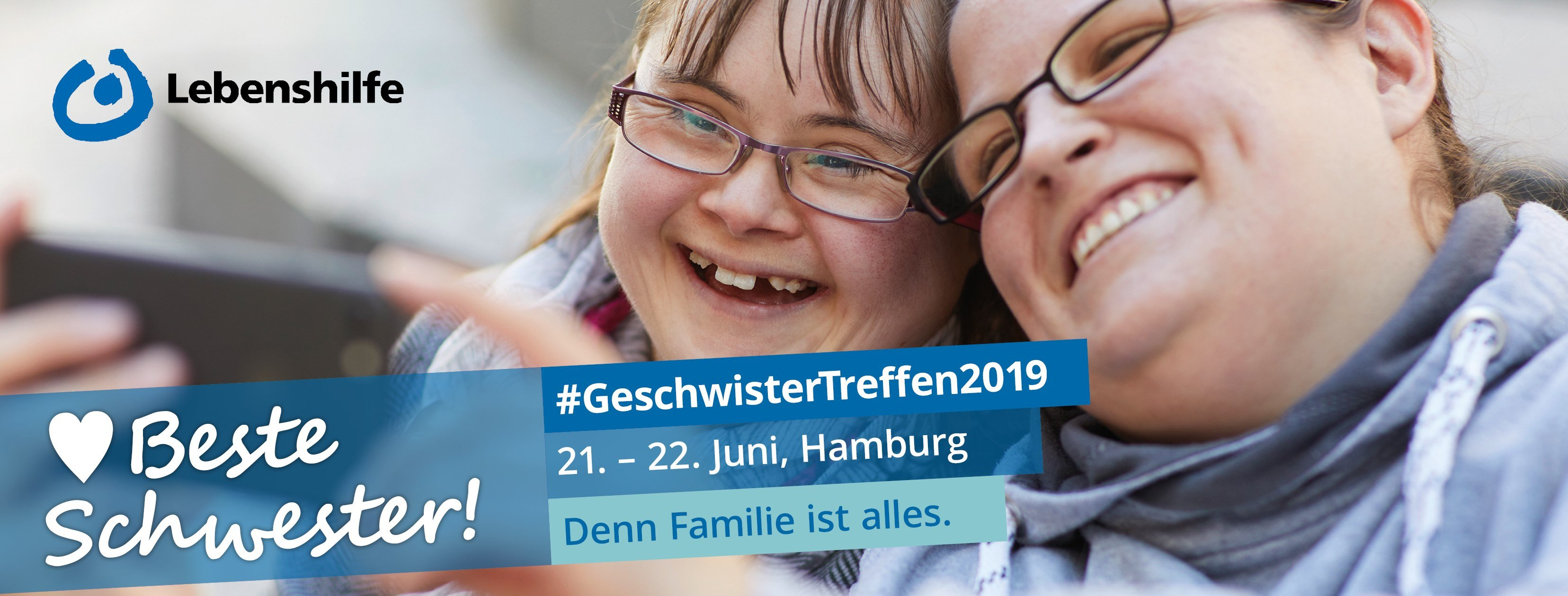 2 Frauen lachen zusammen, Text: Geschwistertreffen2019, 21.-22. Juni in Hamburg