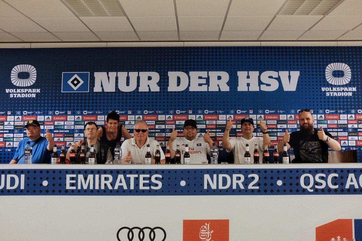 HSV Fanclub die Holsten Anker mit Fanny Boyn auf der Pressebühne