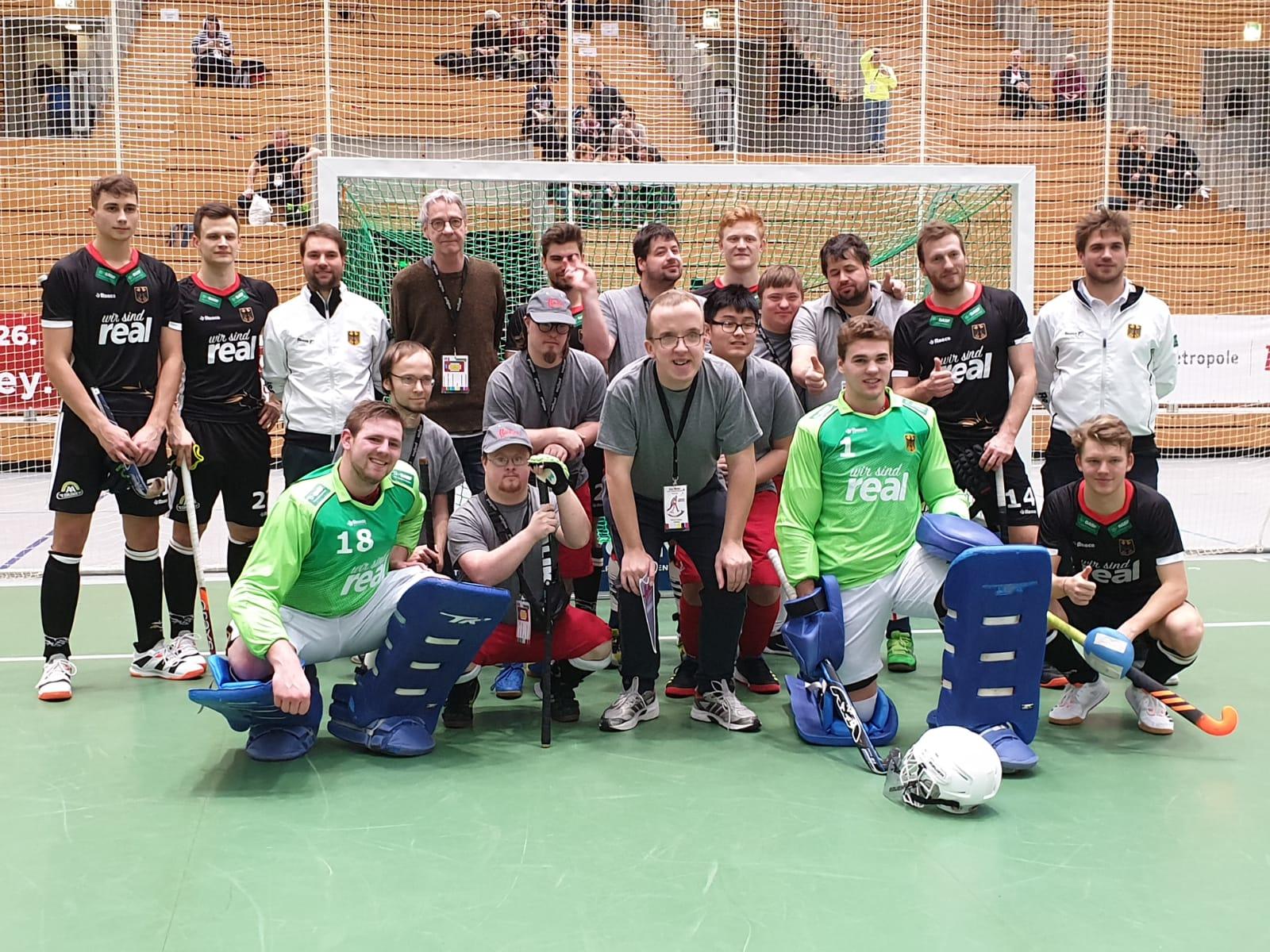 Hockeyspieler mit und ohne Behinderung