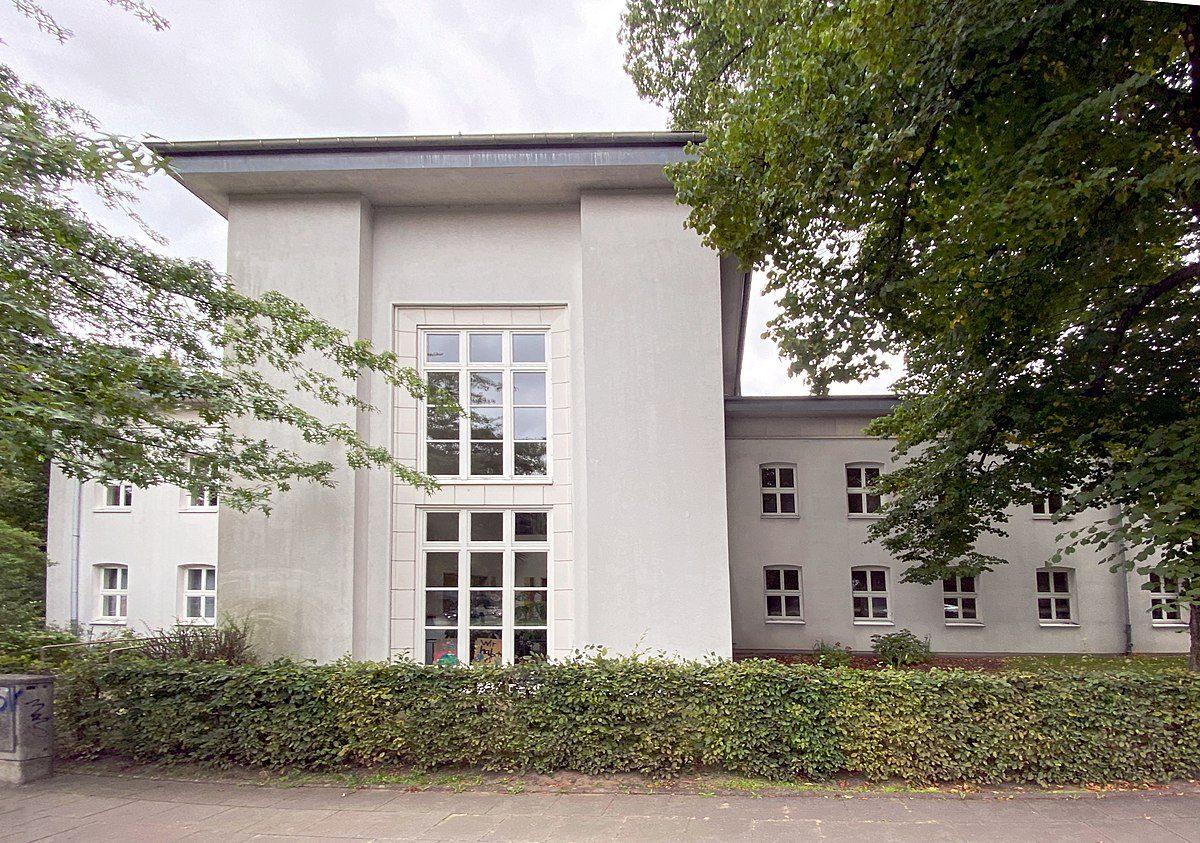 Foto: Außenansicht Kurt-Juster-Schule